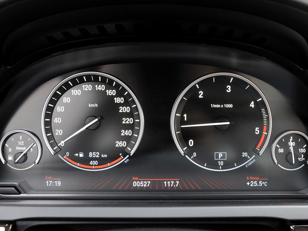 银色宝马7系 09款 750li领先型仪表盘