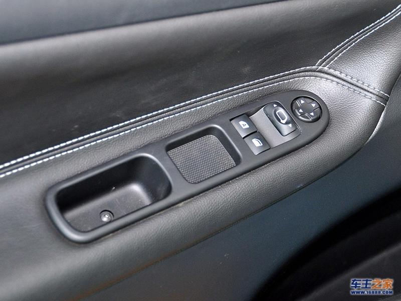 标致207(进口)车门按钮