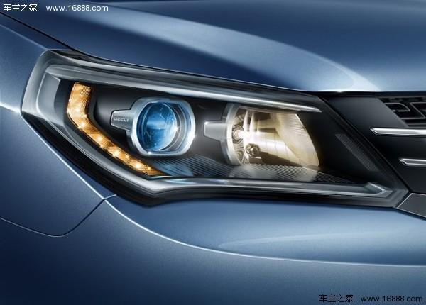 此外,新款金刚的前大灯为一体造型,内部转向灯由7颗led组成
