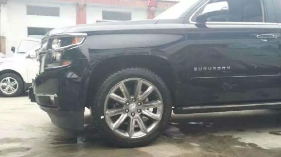 雪佛兰品牌大的SUV越野车美国大越野现车店高清图片